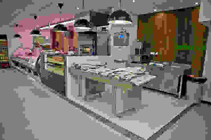Supermercado | o + económico Espaços comerciais modernos por Tó Liss Moderno Madeira Acabamento em madeira