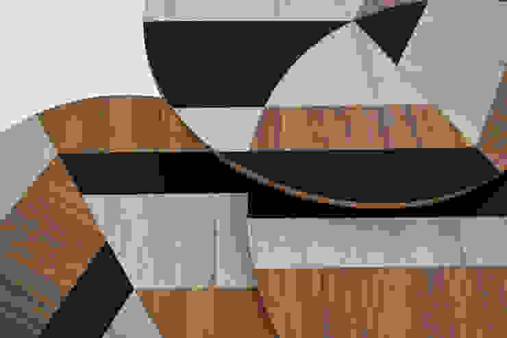 MESAS LEAVES by APOTEMA ESTUDIO de APOTEMA Estudio de Diseño Moderno Tablero DM