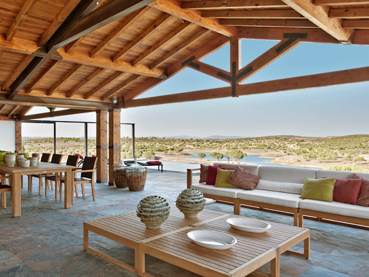 Maisons de style  par SA&V - SAARANHA&VASCONCELOS, Rustique