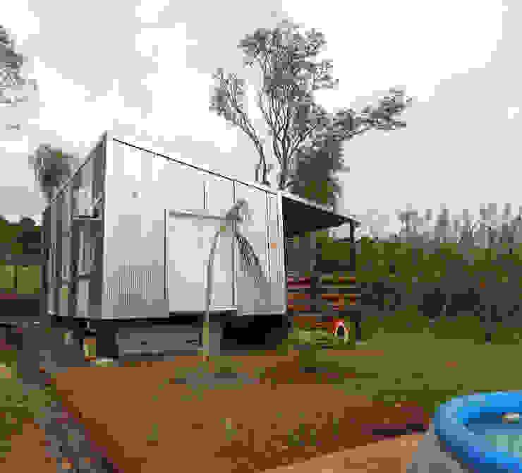 Roga Po. Una casa construida por su propio dueño: Casas de estilo  por ENNE Arquitectura,Minimalista
