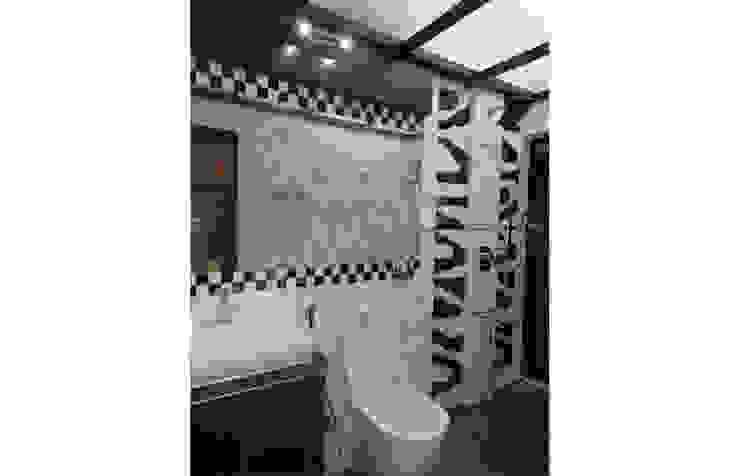 Eden Wood House Modern bathroom by UNIQUE DESIGNERS & ARCHITECTS Modern