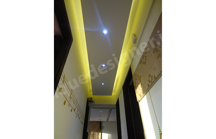 Mr. Bhadane Modern corridor, hallway & stairs by UNIQUE DESIGNERS & ARCHITECTS Modern