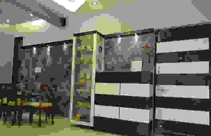 Mr. Krishnamurti Modern dining room by UNIQUE DESIGNERS & ARCHITECTS Modern