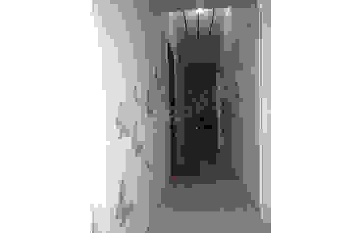 Mr. Krishnamurti Modern corridor, hallway & stairs by UNIQUE DESIGNERS & ARCHITECTS Modern