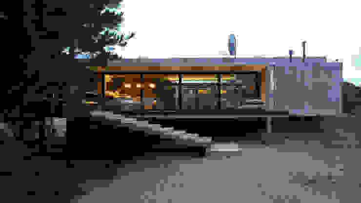 Casa S&S Pasillos, vestíbulos y escaleras de estilo minimalista de homify Minimalista Concreto