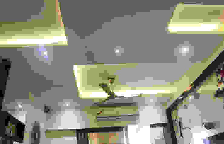 Mr.Pramod Chaudhary at Cosmos Horrizon UNIQUE DESIGNERS & ARCHITECTS Modern living room