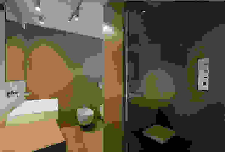 Cumo Mori Roversi Architetti Minimalist style bathroom