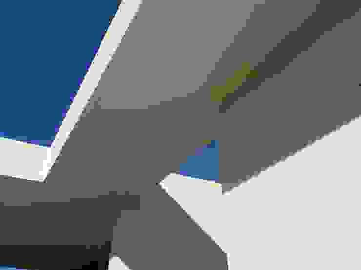 Moradia Unifamiliar Casas minimalistas por Marta Zita Peixoto - Arquitectura Minimalista
