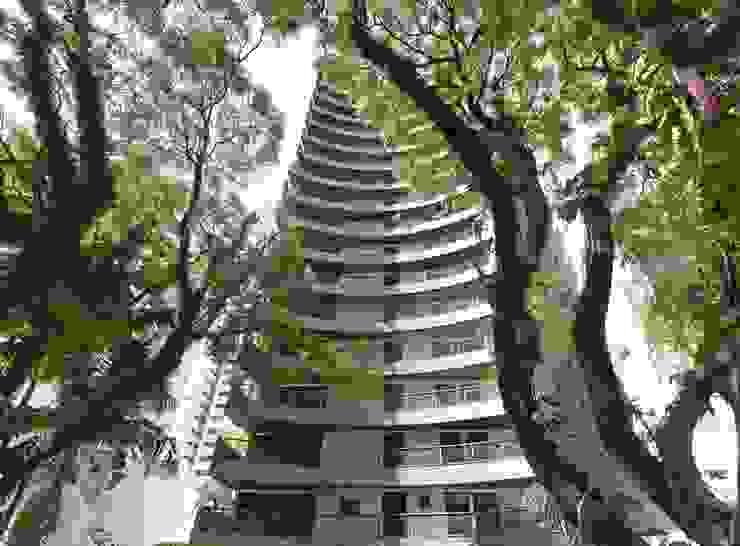 Casa nas alturas Casas modernas por Luciani e Associados Arquitetura Moderno