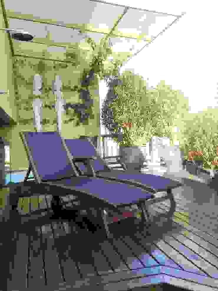 Casa nas alturas Varandas, alpendres e terraços modernos por Luciani e Associados Arquitetura Moderno
