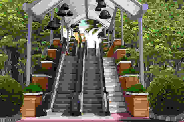 3D Endüstriyel yürüyen asansör merdiven modelleme Desse Design Tasarım Uygulama ve Reklam Hizmetleri