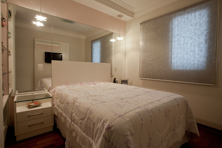 Apartamento S.C. do Sul Quartos modernos por Carmen Anjos Arquitetura Ltda. Moderno Madeira Efeito de madeira