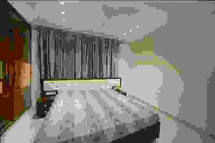 Bedroom 2 Minimalist bedroom by ARK Architects & Interior Designers Minimalist