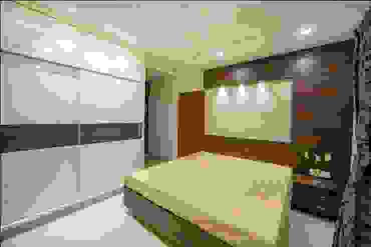 Bedroom 3 Minimalist bedroom by ARK Architects & Interior Designers Minimalist