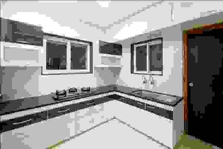 Kitchen2 Minimalist kitchen by ARK Architects & Interior Designers Minimalist