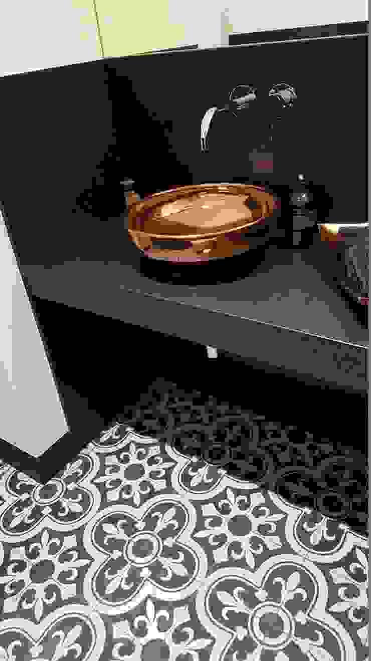 Kolory Maroka Kamar Mandi Klasik Beton Black