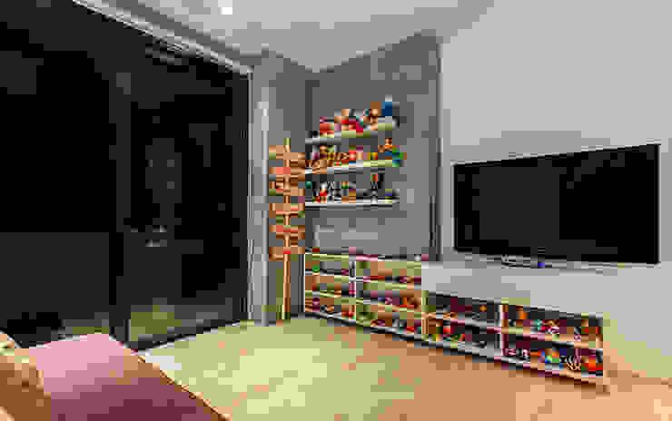 Habitacion de juegos: Habitaciones infantiles de estilo  por Cristina Cortés Diseño y Decoración
