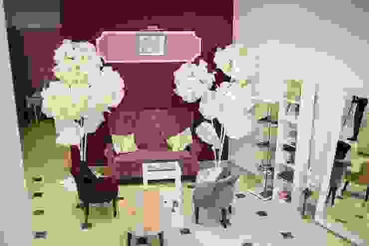 Студия дизайна Виктории Силаевой Locaux commerciaux & Magasin minimalistes Violet