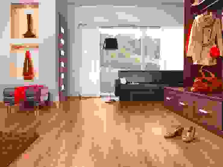 Pisos para Interiores y Exteriores de Escuadra Arquitectura C.A Moderno