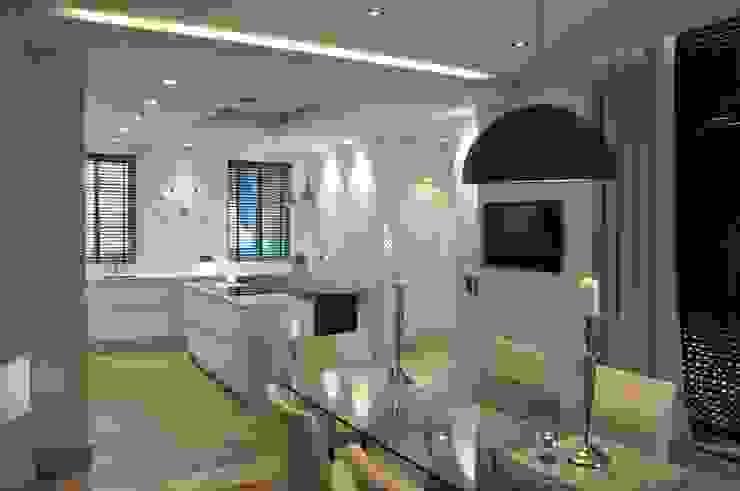 Cozinha Mediterranica por Byho Design de Interiores