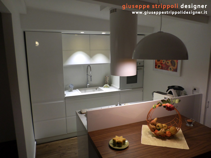 Modern style kitchen by Giuseppe Strippoli Designer Modern Wood Wood effect