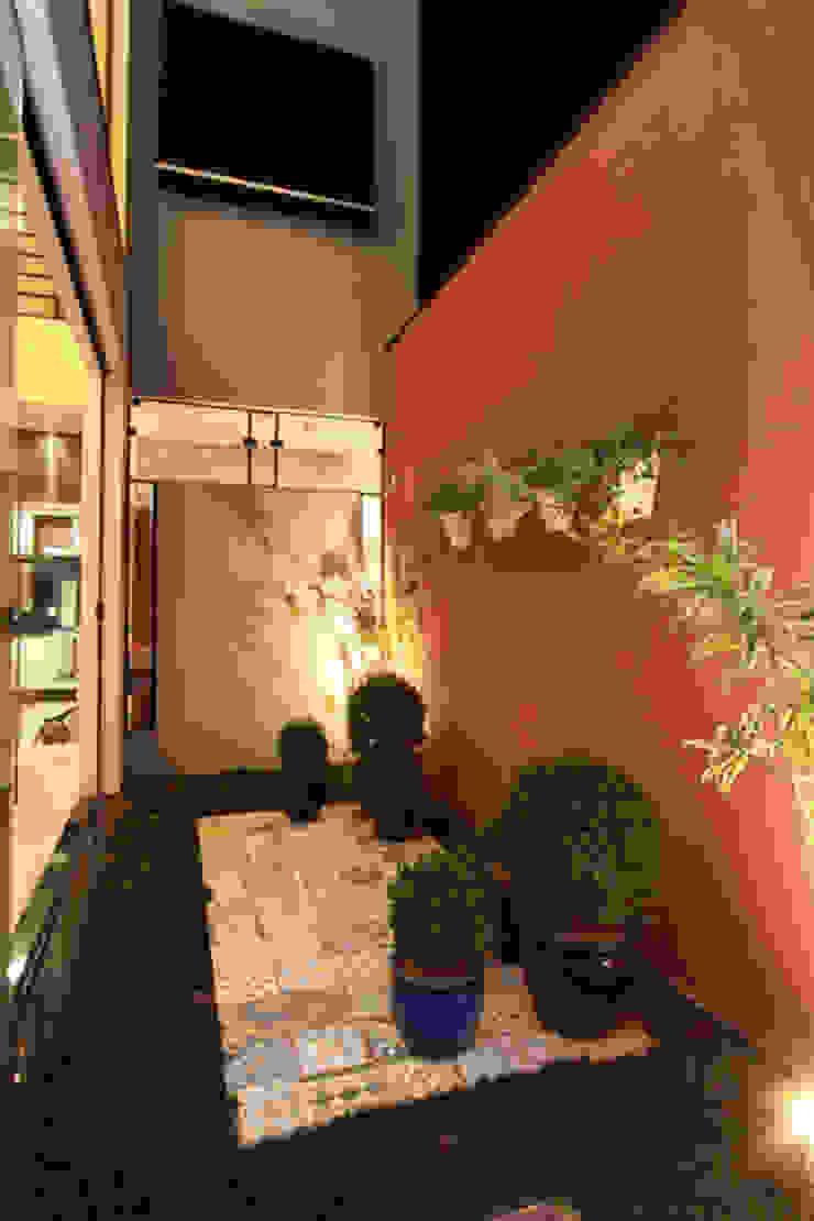Jardim Inverno Varandas, alpendres e terraços modernos por Arabesco Arquitetura Moderno