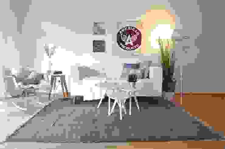 Karin Armbrust - Home Staging Salas de estilo moderno