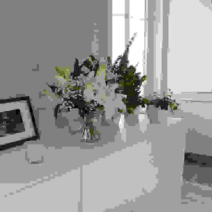 Un bahut et des plantes homify Salle à manger moderne Bois Blanc