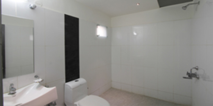 Palak Hotels Modern bathroom by EXOTIC FURNITURE AND INTERIORS Modern