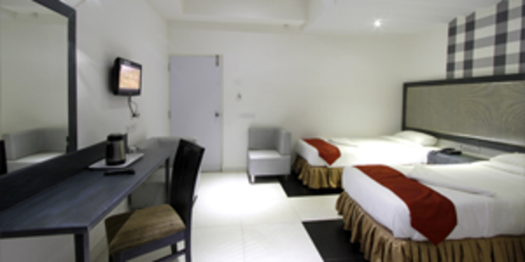 Palak Hotels Modern style bedroom by EXOTIC FURNITURE AND INTERIORS Modern