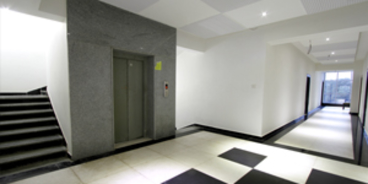 Palak Hotels Modern corridor, hallway & stairs by EXOTIC FURNITURE AND INTERIORS Modern