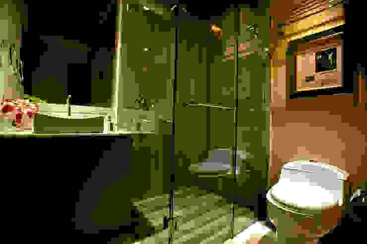 Phòng tắm phong cách chiết trung bởi MAAD arquitectura y diseño Chiết trung
