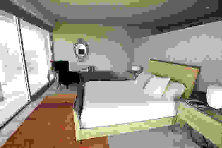 Phòng ngủ phong cách chiết trung bởi MAAD arquitectura y diseño Chiết trung