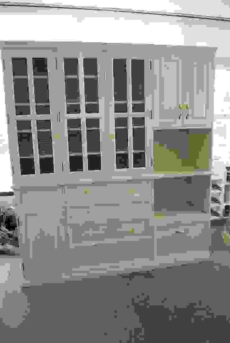フルオーダー家具: ポプリローカルファニチャーが手掛けた折衷的なです。,オリジナル 木 木目調