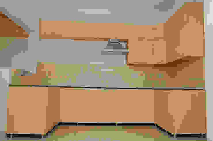 Residential Interiors Modern kitchen by Crush Mango Modern