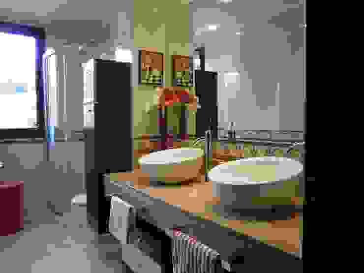 Consma Construcciones Baños de estilo moderno de Consma Construcciones Moderno