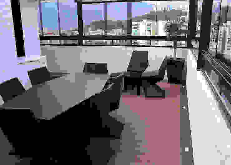 Modern style balcony, porch & terrace by AL + ARQUITECTURA Modern
