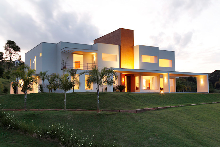 Casas modernas: Ideas, imágenes y decoración de Carlos Salles Arquitetura e Interiores Moderno