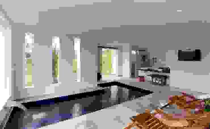 Carlos Salles Arquitetura e Interiores Spa modernos