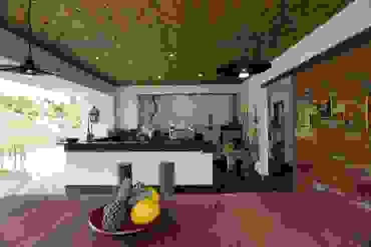 Casa Minas Gerais Cozinhas modernas por Carlos Salles Arquitetura e Interiores Moderno
