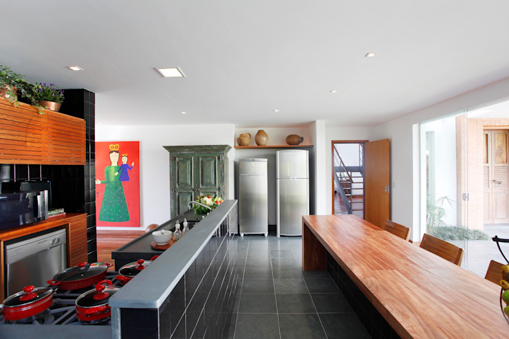 Cocinas modernas: Ideas, imágenes y decoración de Carlos Salles Arquitetura e Interiores Moderno