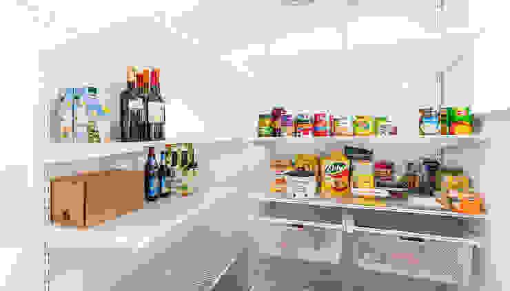 現代廚房設計點子、靈感&圖片 根據 Elfa Deutschland GmbH 現代風 金屬