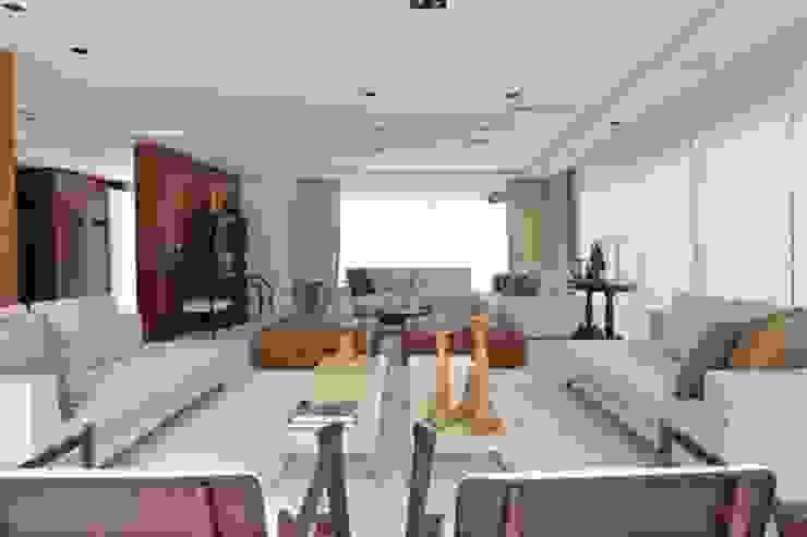 Ana Letícia Virmond Projetos e Interiores ห้องนั่งเล่น