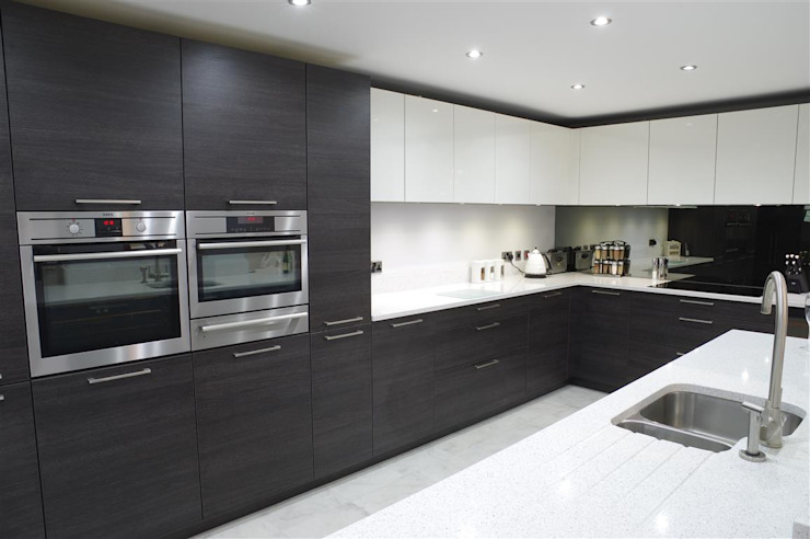 Another one of our finished bespoke kitchens. Modern kitchen by PTC Kitchens Modern