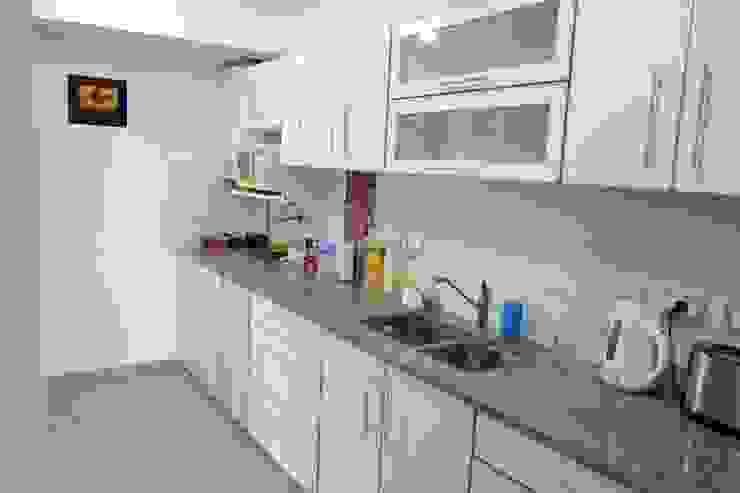 Cozinhas modernas por epb arquitectura Moderno