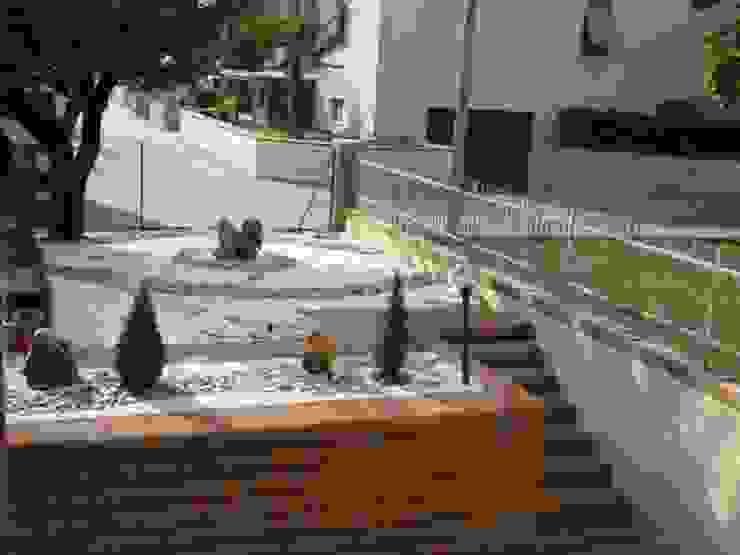 Jardines minimalistas de Studio Botanico Ventrone Dr. Fulvio Minimalista