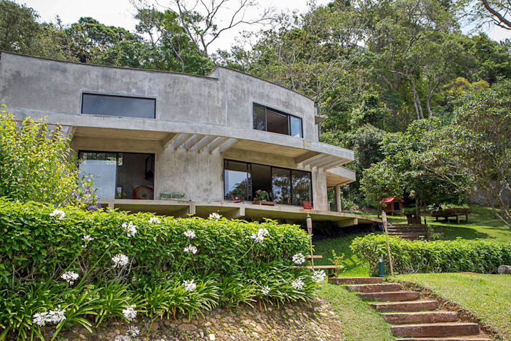 Casa Campo / Ateliê - Vale das Videiras Casas modernas por Carlos Salles Arquitetura e Interiores Moderno