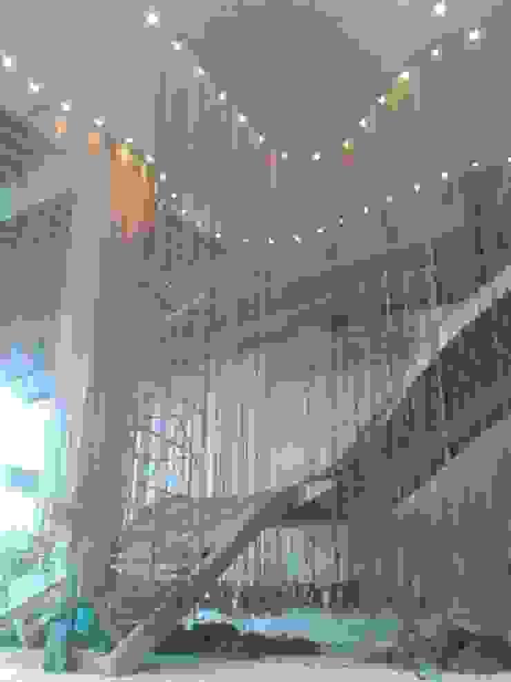 Montaje Escalera Lobby Principal de CHIMI Tropical