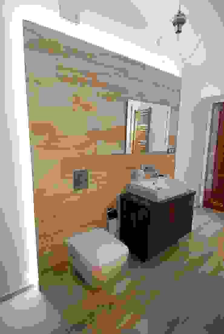 Ząbki. Eklektyczna łazienka od 4 kąty a stół 5 Pracownia Projektowa Ewelina Białobrzewska Eklektyczny