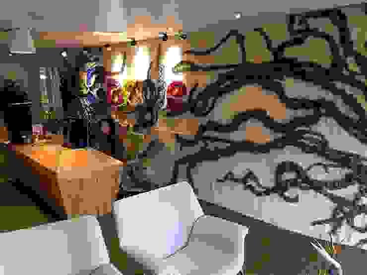 GOOGLE Oficinas en Bogotá Pasillos, vestíbulos y escaleras de estilo ecléctico de CHIMI Ecléctico